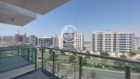 فلیٹ 1 غرفة نوم للايجار في شاطئ الراحة، أبوظبي - شقة في خور الراحة شاطئ الراحة 1 غرف 65000 درهم - 5400589