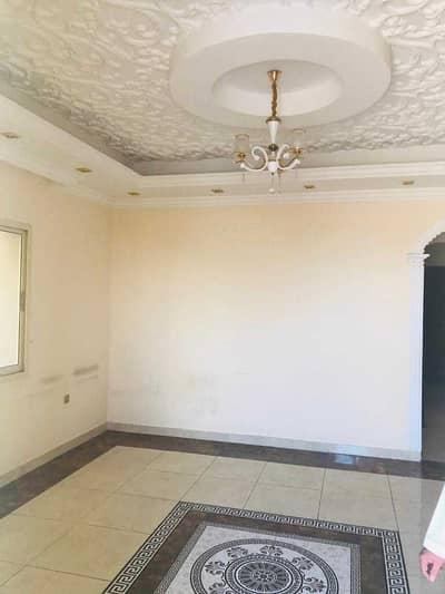 Villa for rent in Ajman, Al Rawda area, on a main street, second inhabitant