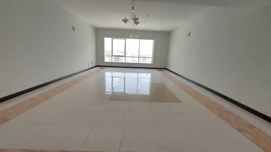4 Bedroom Flat for Rent in Corniche Al Buhaira, Sharjah - Chiller AC free gym pool! Spacious 4 bhk maids room open view! Buhaira cornchise al majaz 1 area