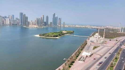 3 Bedroom Flat for Rent in Corniche Al Buhaira, Sharjah - Chiller AC free pool gym! Spacious 3 bhk balcony  maids room see view! Buhaira cornchise