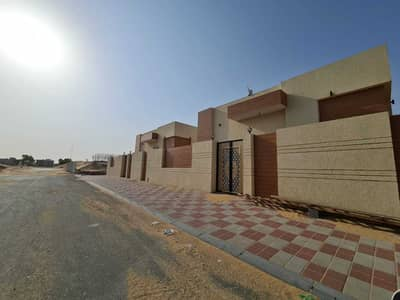 5 Bedroom Villa for Sale in Al Rawda, Ajman - We have villas at Ajman inside different areas for living or investments, All our villas freeholding, you can pay cash or banking installments, the pr