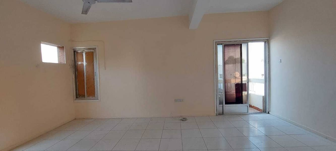 for rent 3BHK villa in jazzat Area nera al jazzat park. . . . . .