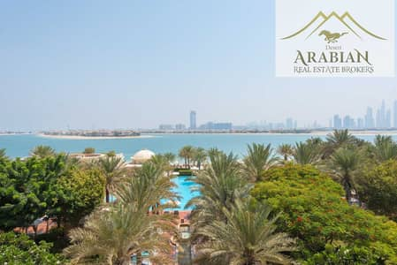 3 Bedroom Flat for Sale in Palm Jumeirah, Dubai - Unfurnished   Pool & Sea View   Private Jacuzzi