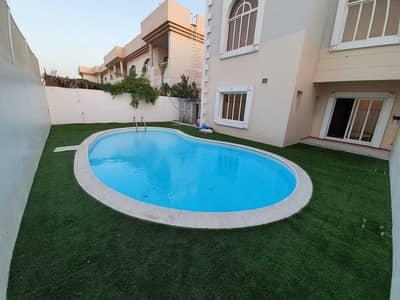 فیلا 4 غرف نوم للايجار في القرهود، دبي - فیلا في قرهود إيتريم القرهود 4 غرف 120000 درهم - 4900042