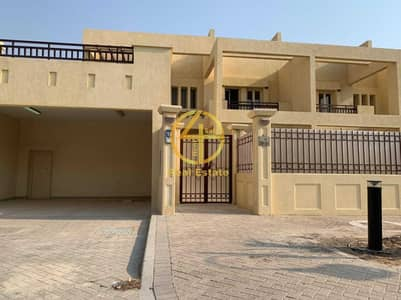 3 Bedroom Townhouse for Sale in Baniyas, Abu Dhabi - Royal House with Amazing Design