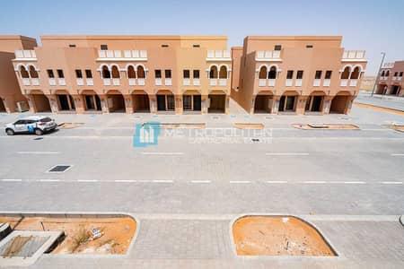 تاون هاوس 2 غرفة نوم للايجار في قرية هيدرا، أبوظبي - تاون هاوس في المنطقة الثامنة قرية هيدرا 2 غرف 60000 درهم - 5401842