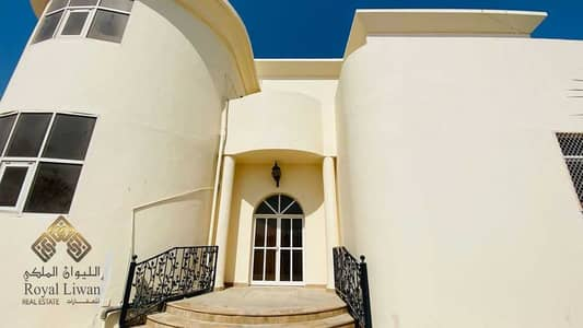 فیلا 5 غرف نوم للبيع في بر دبي، دبي - 5 Bedroom Villa For Sale In Mankhool