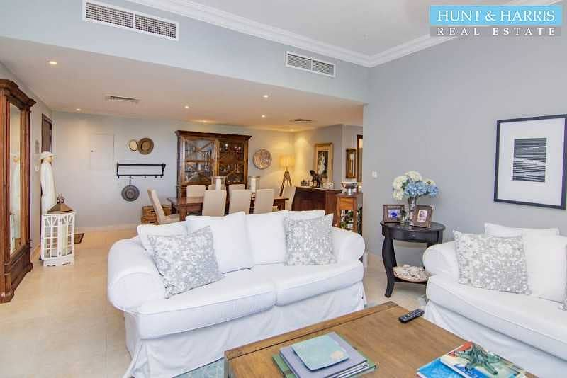 2 Large 3 Bedroom - Marina Apartment - Amazing Sea Views