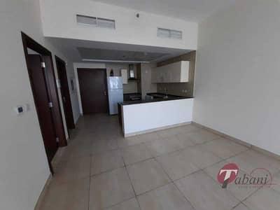 شقة 1 غرفة نوم للايجار في الفرجان، دبي - Larger 1-Br|Close to metro|Chiller free| Balcony