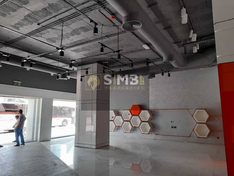 FULLY FITTED SHOWROOM ON SHEIKH ZAYED ROAD
