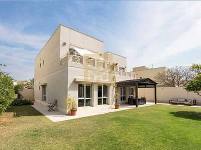 4 Bedroom Villa for Sale in The Meadows, Dubai - Type 6| Single Row| Stunning 4Beds +M| Ideal Location