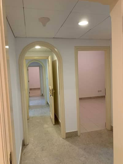3 Bedroom Apartment for Rent in Al Markaziya, Abu Dhabi - 3 bkh available in corniche with maidroom 4 bathrooms