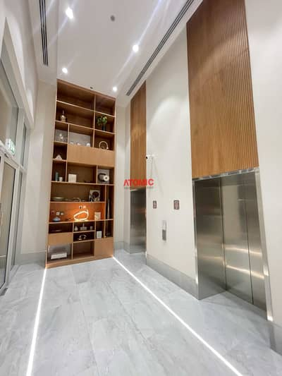 شقة 1 غرفة نوم للبيع في المدينة العالمية، دبي - Vacant brand new luxury one bedroom + closed kitchen in Warsan4
