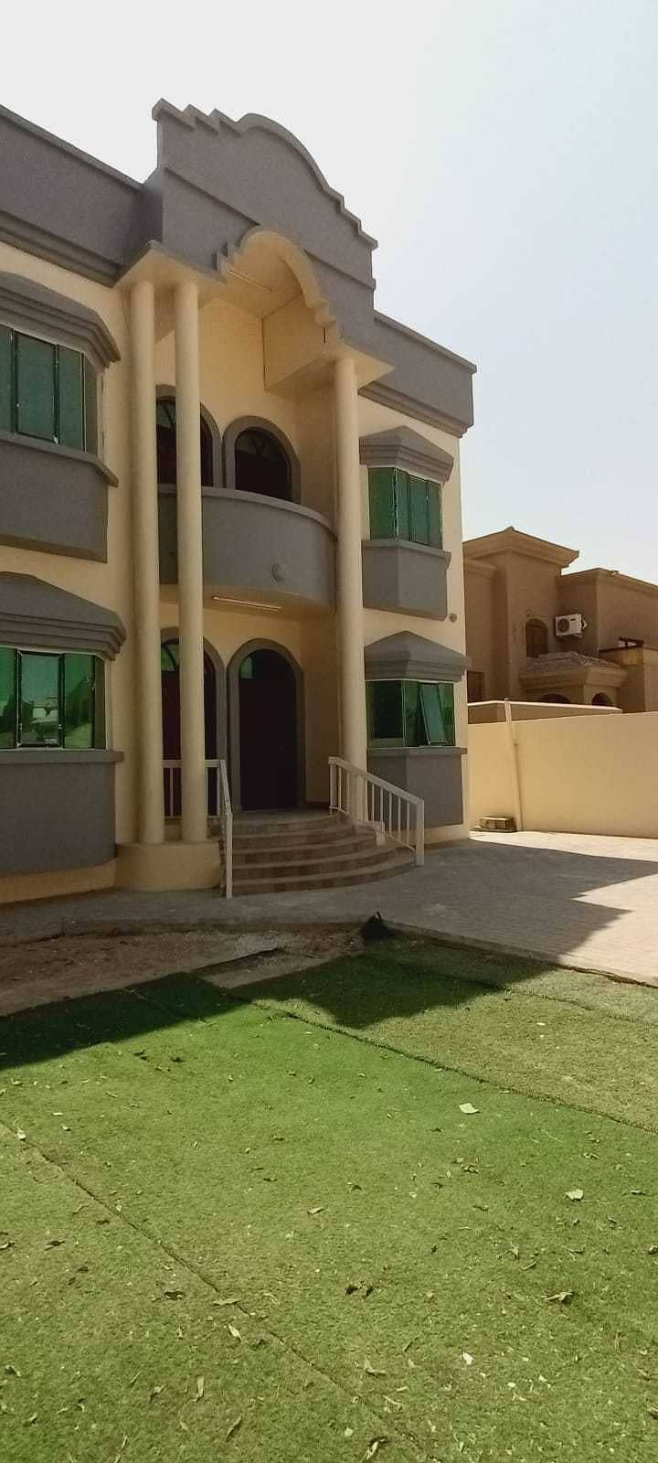 الصفقة عبارة عن صيانة كاملة فيلا 5 غرف نوم وصالة مجلس في المويهات 3 عجمان الايجار 65000 درهم / - سنويا