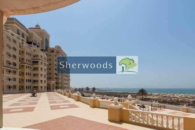 Sea View – Overlooking the Pool – Walk to Beach