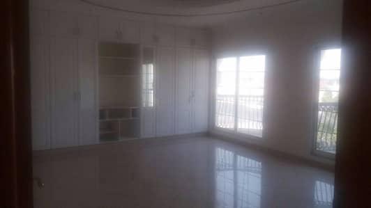 Spacious 5 Bedroom Villa At Barsha For Rent