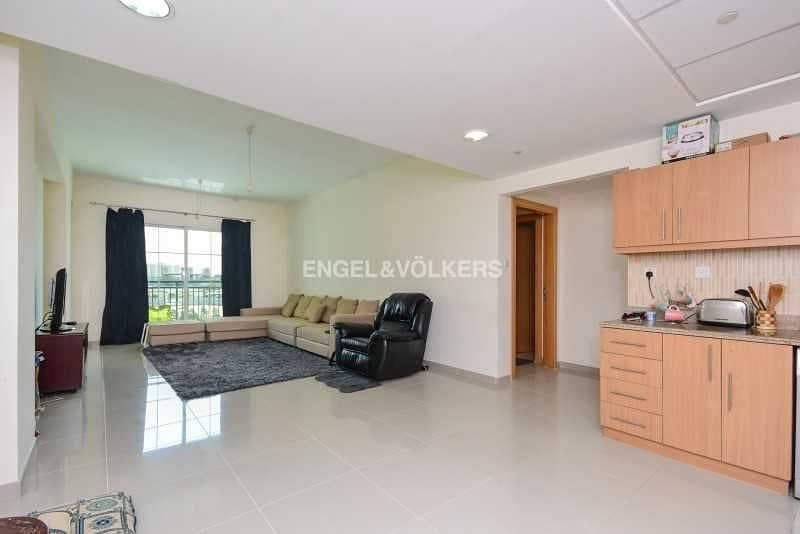 18 Spacious   Bright   Available   With Balcony