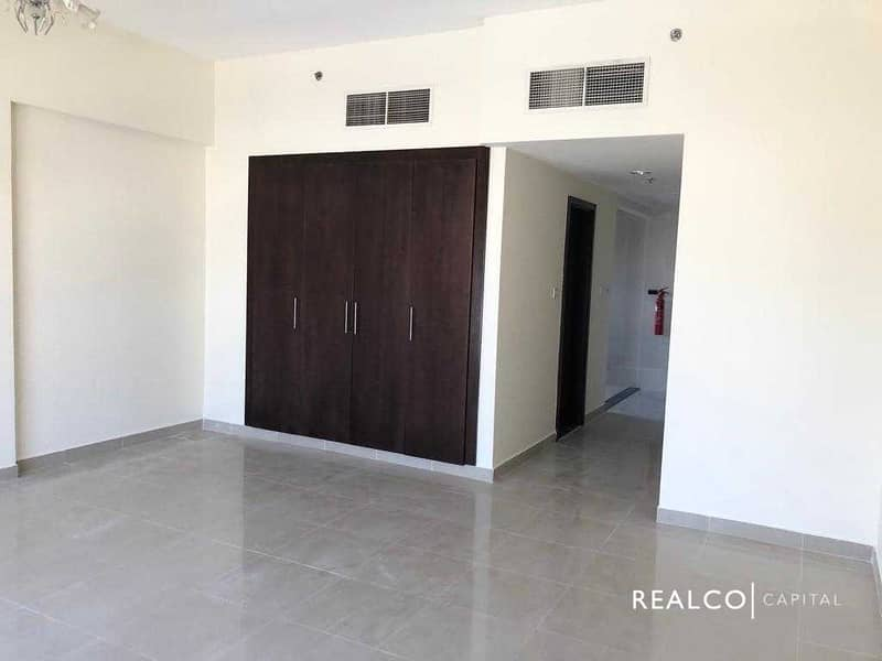   SPECIOUS LAYOUT   INVESTOR DEAL   HIGH FLOOR  