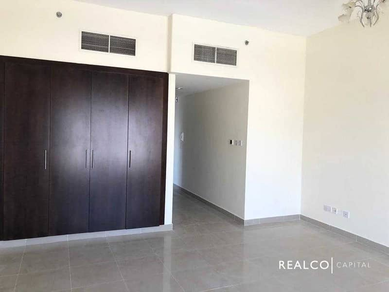 2   SPECIOUS LAYOUT   INVESTOR DEAL   HIGH FLOOR  