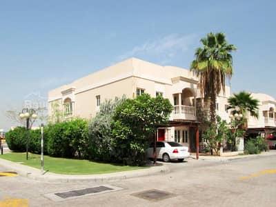 Luxerious 5 bedrooms villa in a very nice compound in al garhoud