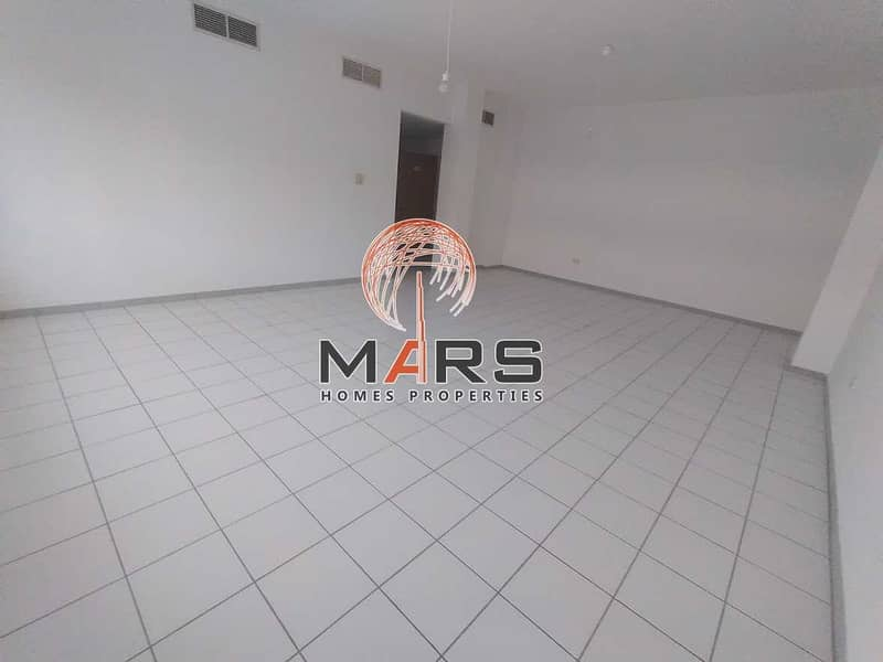 Large 3 Bedroom Flat on Sheikh Zayed Road near Business Ba Metro with Free Chiller and 2 free months