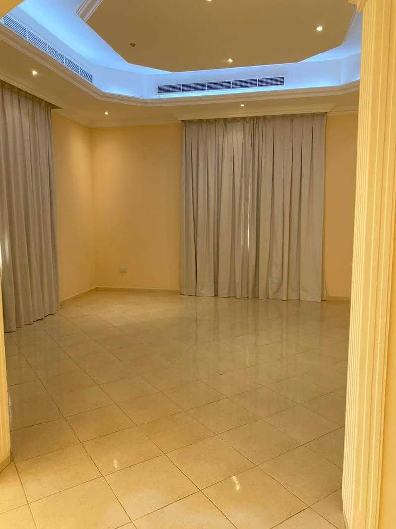 Luxury villa for rent khawaneej first 7 bed room  2 living room