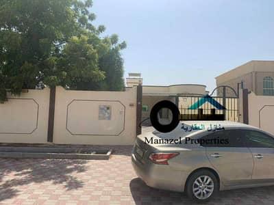 4 Bedroom Villa for Rent in Al Hamidiyah, Ajman - Villa for rent in the Hamidiya area on Shar Qar, a very excellent location, close to services.