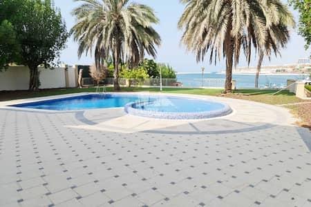 فیلا 4 غرف نوم للايجار في قرية مارينا، أبوظبي - فیلا في فلل رويال مارينا قرية مارينا 4 غرف 400000 درهم - 5403543