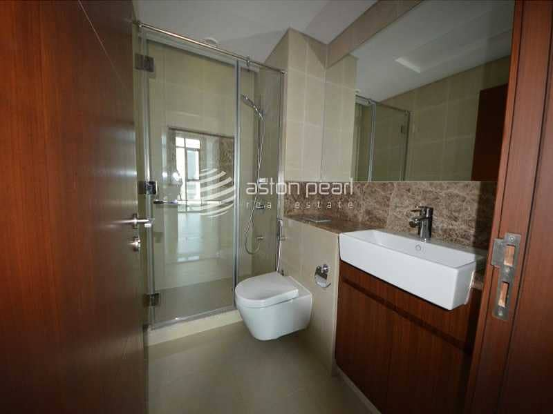17 Bright And Spacious  1Bedroom   High Floor  Vacant