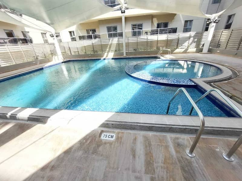 Elegant 2-BR | with all Amenities | 3 bathrooms | Wadrobes | University area