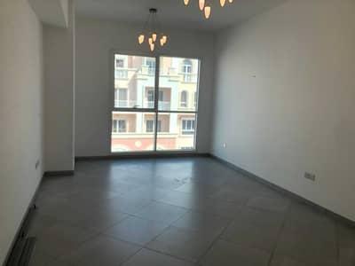 فلیٹ 2 غرفة نوم للايجار في قرية جميرا الدائرية، دبي - شقة في صالح بن لاحج JVC قرية جميرا الدائرية 2 غرف 74999 درهم - 5405543