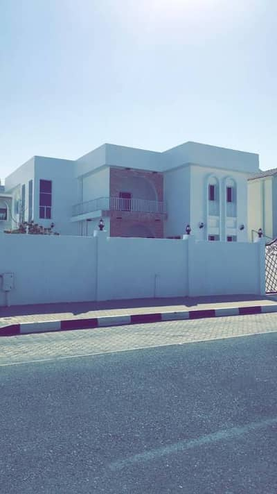 4 Bedroom Villa for Sale in Al Falaj, Sharjah - Villa For Sale In Al Falaj / Sharjah