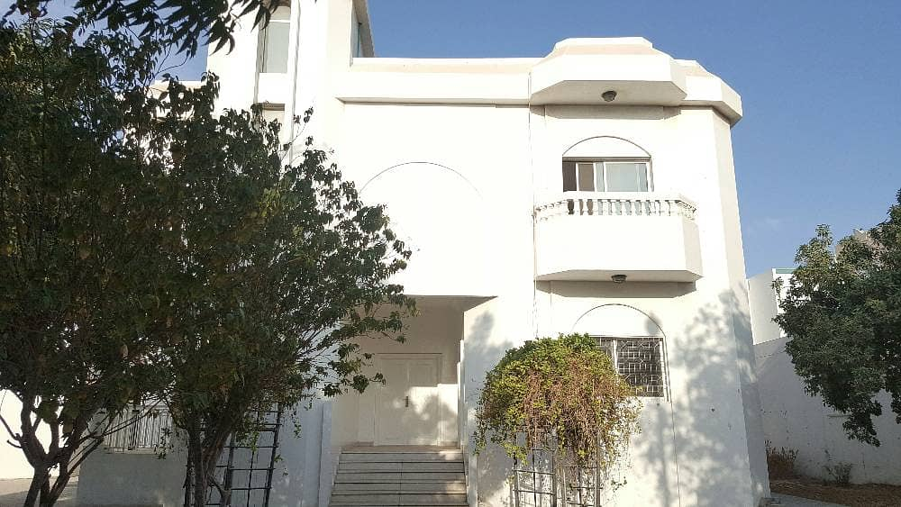 Huge 5Bhk Lovely Villa Available In Al Jazzat Area With Pool
