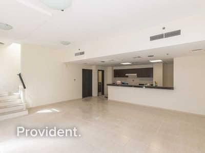 شقة 2 غرفة نوم للبيع في قرية جميرا الدائرية، دبي - Beautiful Duplex | Exceptional Family Home