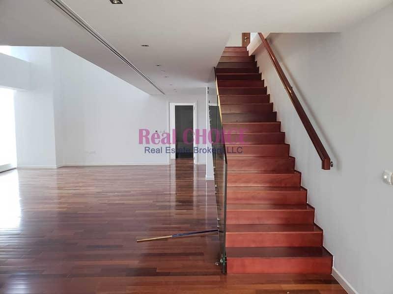 Executive 3Bhk Duplex | Maid Room | Sea View