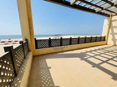فیلا 5 غرف نوم للايجار في جميرا، دبي - Amazing 5 BR Beach Front Resort Villa