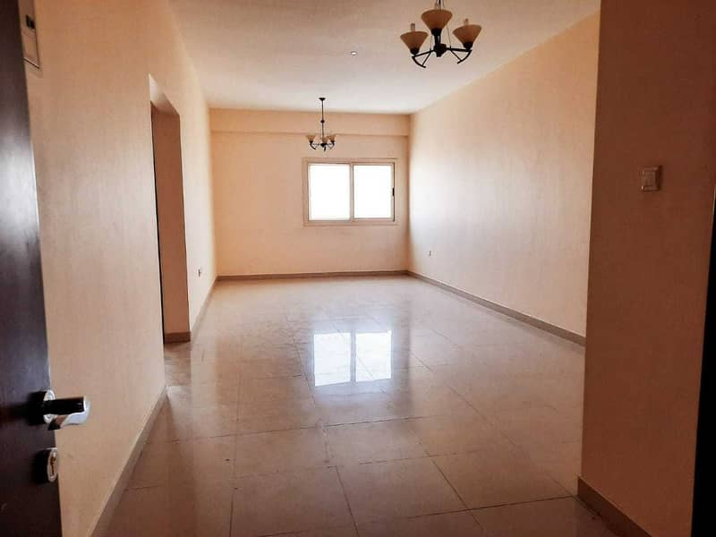 40 Days Free   1000 Sq. ft Luxury 1BHK 25K With Parking +6Cheques ( Wardrobe+Master Bed+Balcony)