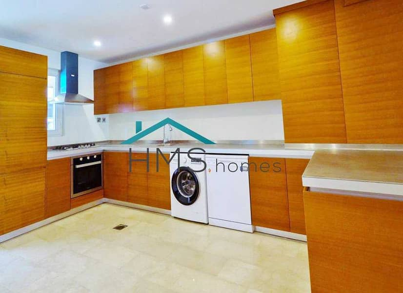 2 Amazing 4 Bed Townhouse in JVC