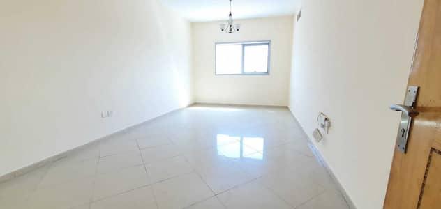 2 Bedroom Flat for Rent in Al Nahda, Sharjah - FRONT OF RTA BUS STOP DUBAI PRAIM LOCATION FULL FAMILY BUILDING 2BHK 33K