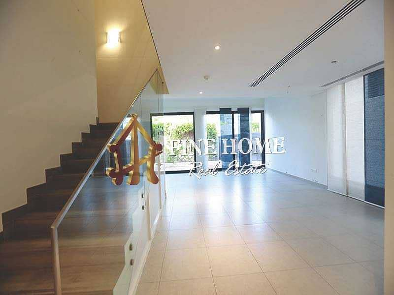 Call now !! Villa 5MBR w Balcony I Big Garden
