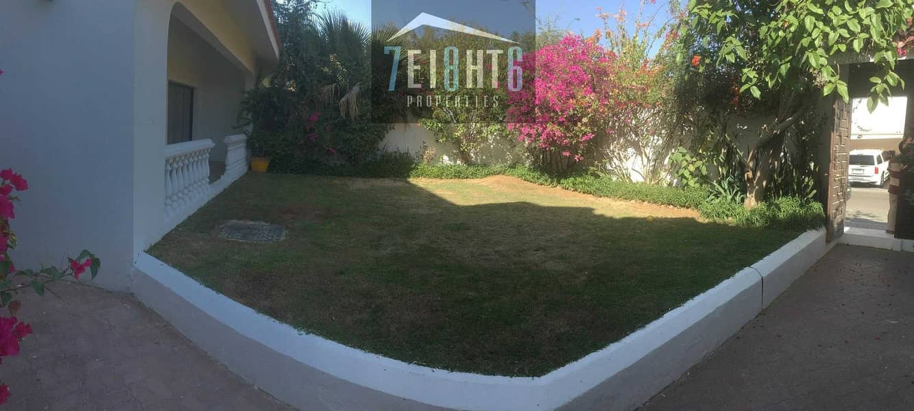 11 5-6 b/r semi-independent spacious villa with study room + servant quarters + drivers room + large landscaped garden