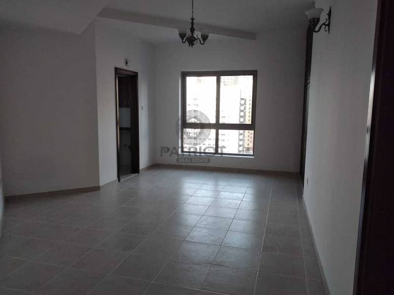 Cheapest studio l 5 min walk to metro l well maintained