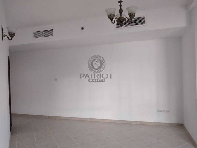 2 Cheapest studio l 5 min walk to metro l well maintained