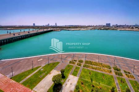 3 Bedroom Apartment for Rent in Al Reem Island, Abu Dhabi - Beautiful Full Sea View 3+Maid Apt