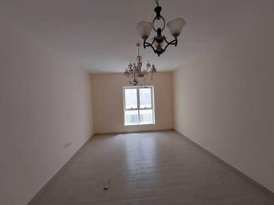 شقة 2 غرفة نوم للايجار في تجارية مويلح، الشارقة - شقة في برج امبر تجارية مويلح 2 غرف 41000 درهم - 5409890