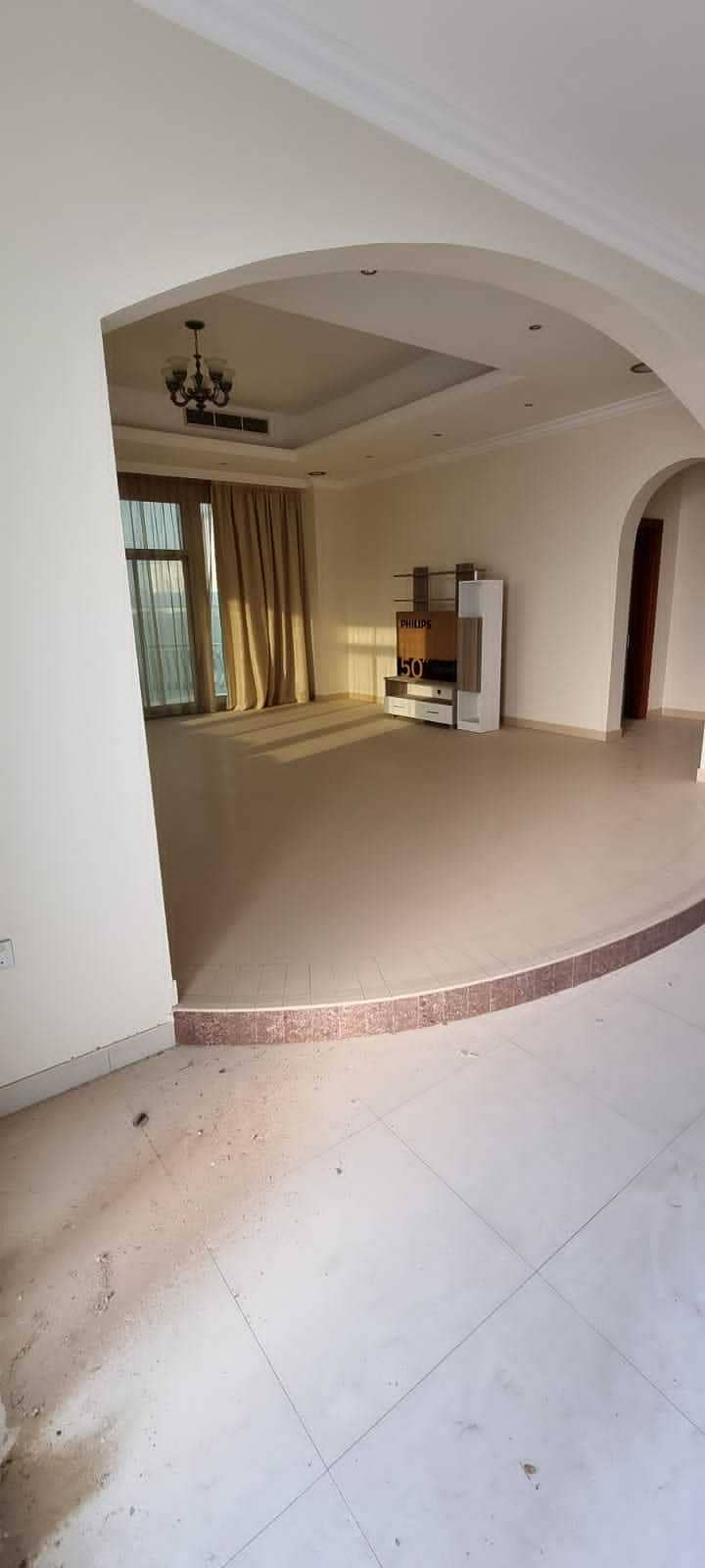 Luxury villa for rent in khawaneej first ( 5 bed + hall + living + dining +