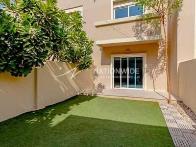 فیلا 2 غرفة نوم للبيع في الريف، أبوظبي - Spacious Arabian Villa with Extended Garden