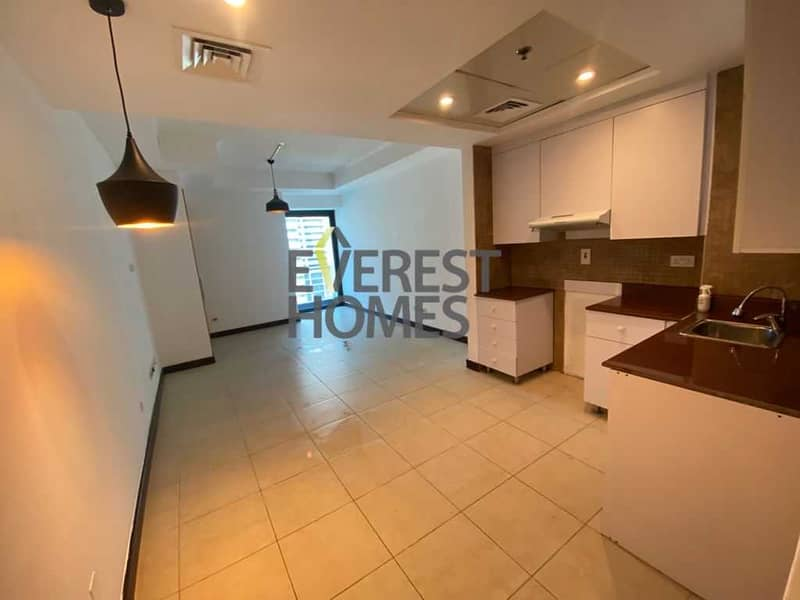 2 Hot Deal!! Studio With Balcony Full Lake View
