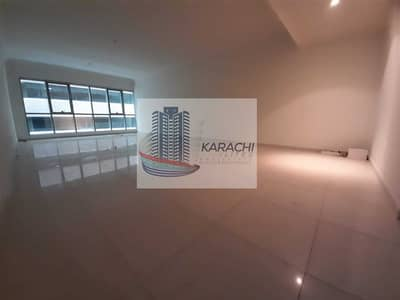 3 Bedroom Apartment for Rent in Al Khalidiyah, Abu Dhabi - SPECIOUS 3 BEDROOMS APARTMENT WITH MAIDS ROOM AND BASEMENT PARKING.
