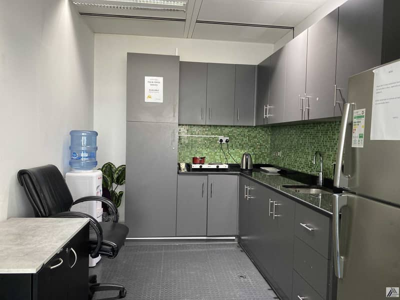 16 Serviced Furnished Office Suitable for 4 Staff / Linked with Metro and Mall